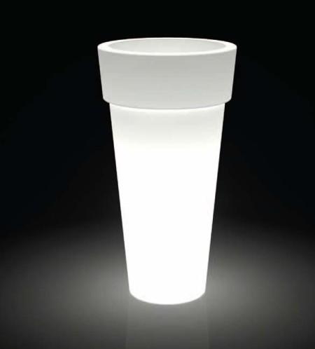 Illuminazione interni con vasi luminosi